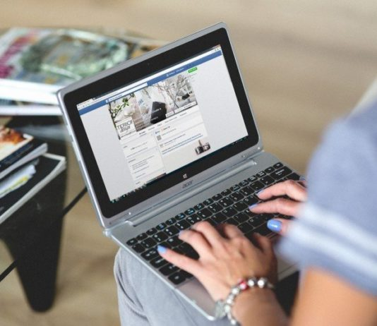 Facebook busca empresas por causa de curtidas e comentários falsos