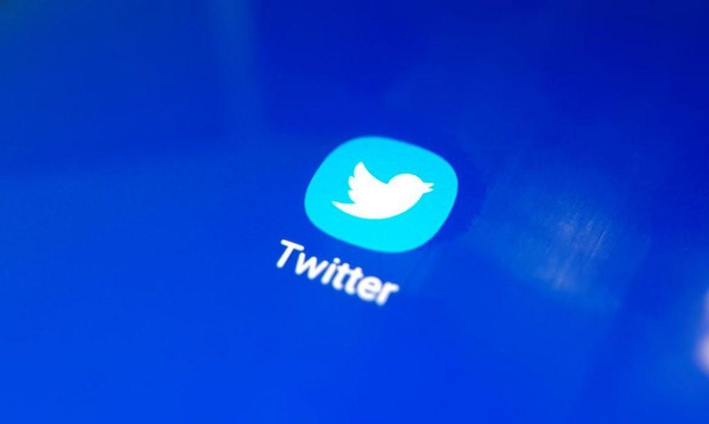 Twitter volta a cogitar serviço de assinaturas pagas